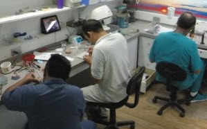 We are the only clinic in Cancun that has their own laboratory on site.